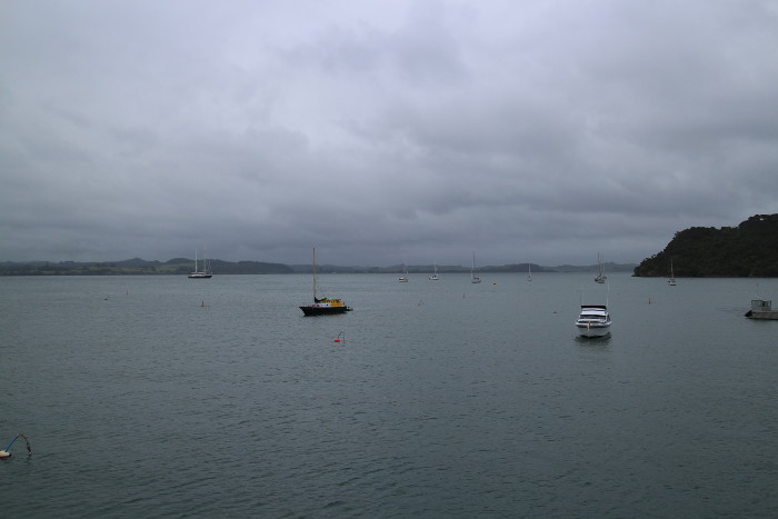 Bay of Islands in Wolken